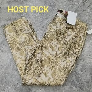 🎉HP🎉🆕️Almost Famous gold paisley jeans
